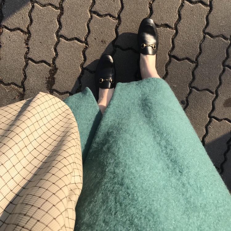 リアル通勤コーデ。穏やかな気候の木曜日はキャンディカラーのスカートを主役に!_1_2