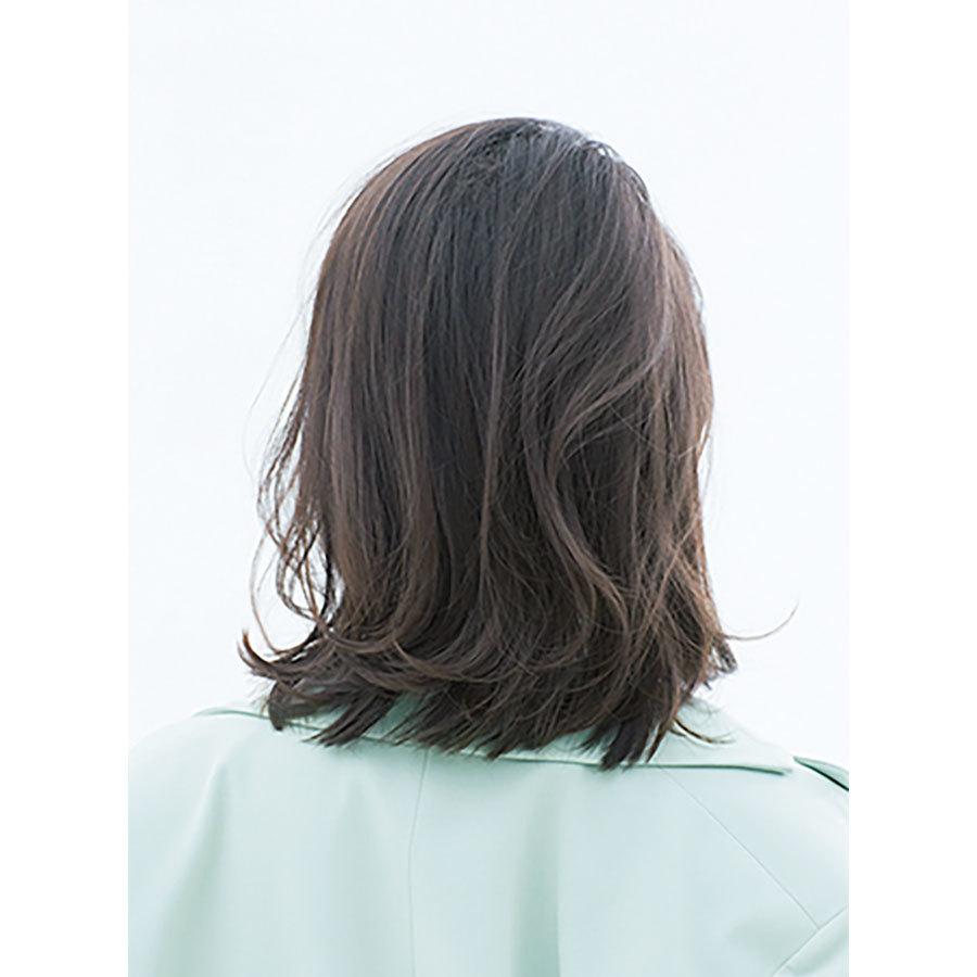 後ろから見た 40代に似合う髪型 ミディアムヘアスタイル人気ランキング1位