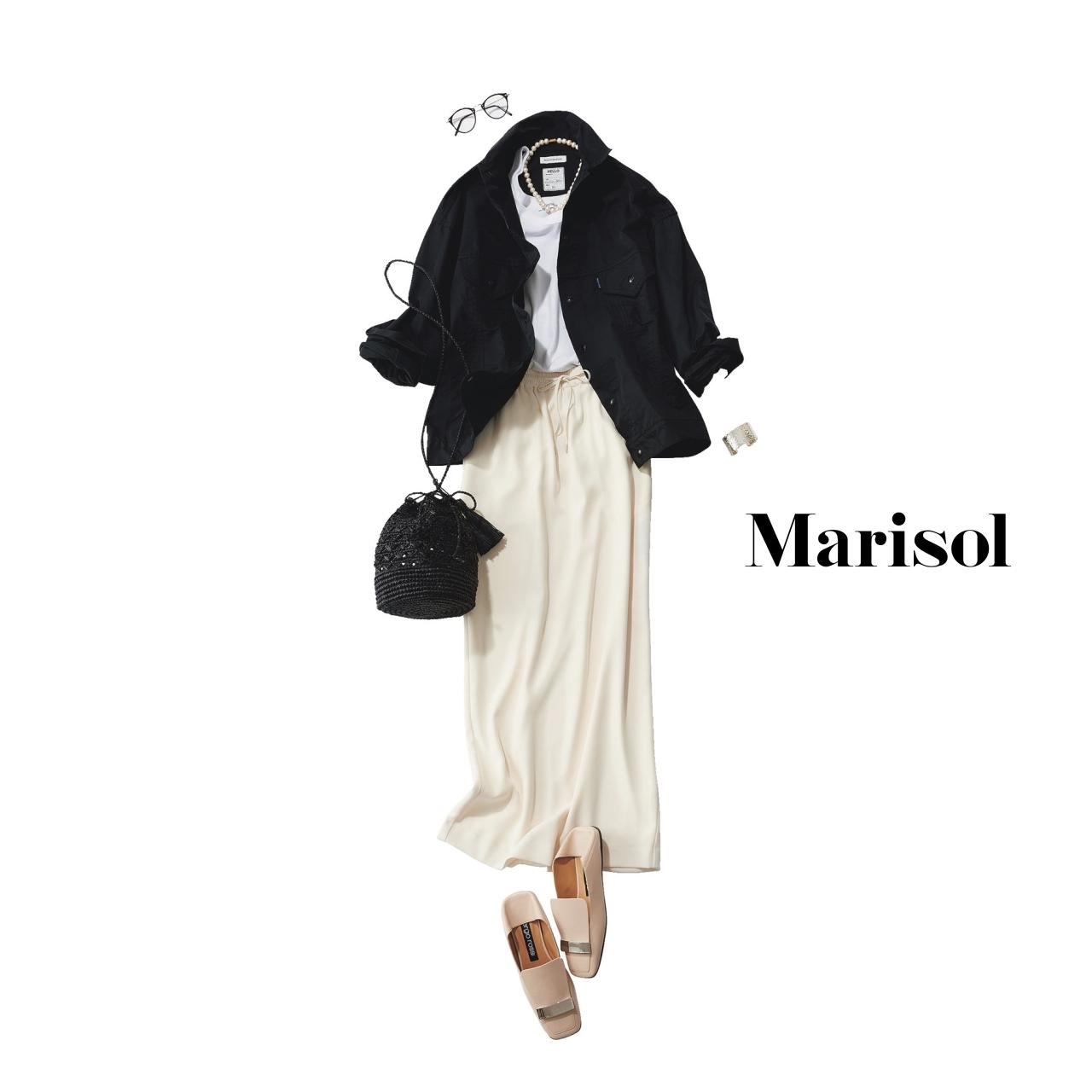 40代ファッション  黒ジャケット×白タイトスカートコーデ