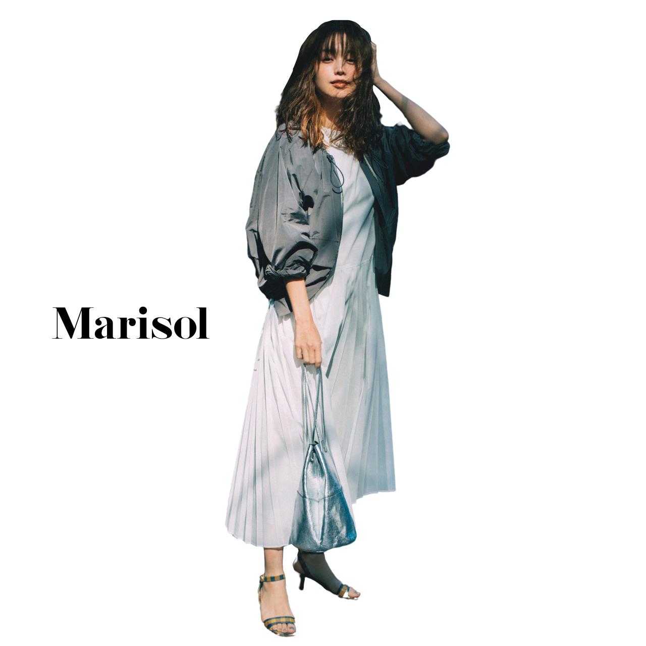40代ファッション ブルゾン×プリーツワンピースコーデ