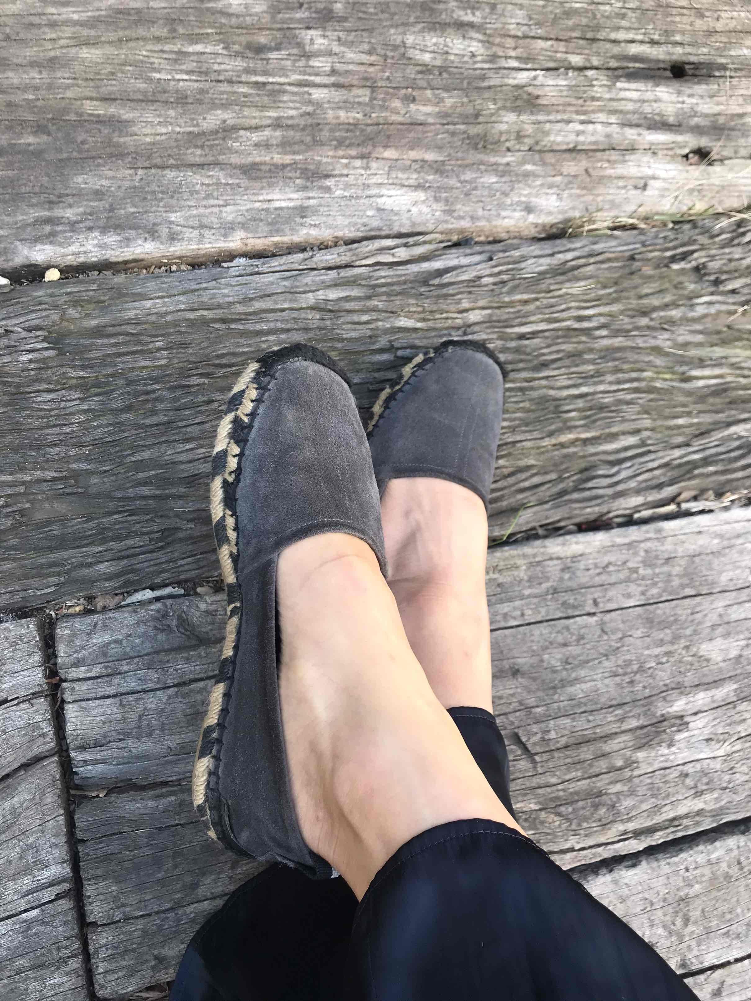 カジュアルにも綺麗目にも、楽でいい靴。_1_4