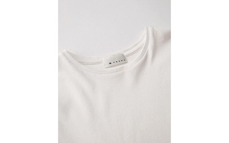 Tシャツ 首元