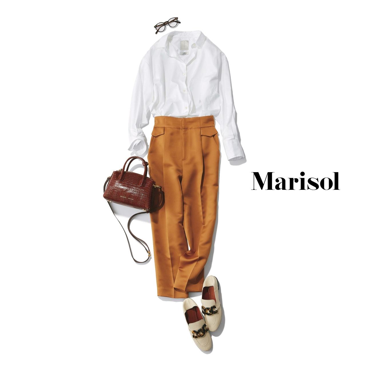 40代ファッション 白シャツ×ベージュパンツコーデ