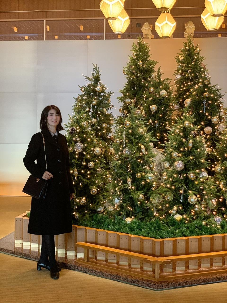 クリスマスコンサート動画 と、上質なコートでホテルオークラへ。_1_1