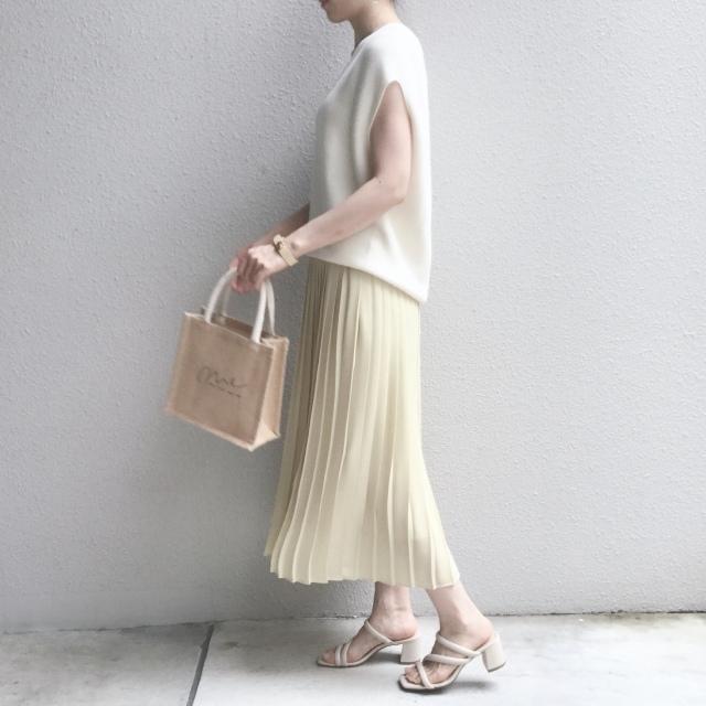 【ユニクロ】定価でも迷わず買った新色のプリーツスカート_1_2