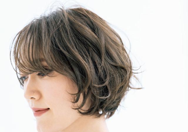 パーマで毛流れをコントロール。長さを変えずに華やかオーラを放つ!