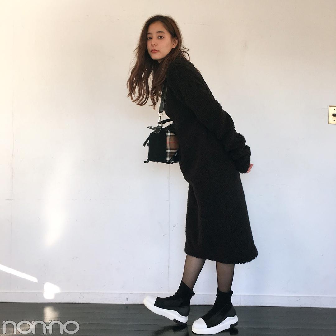 新木優子はもこもこワンピを大人コートですっきり見せ!【モデルの私服スナップ】_1_2-1