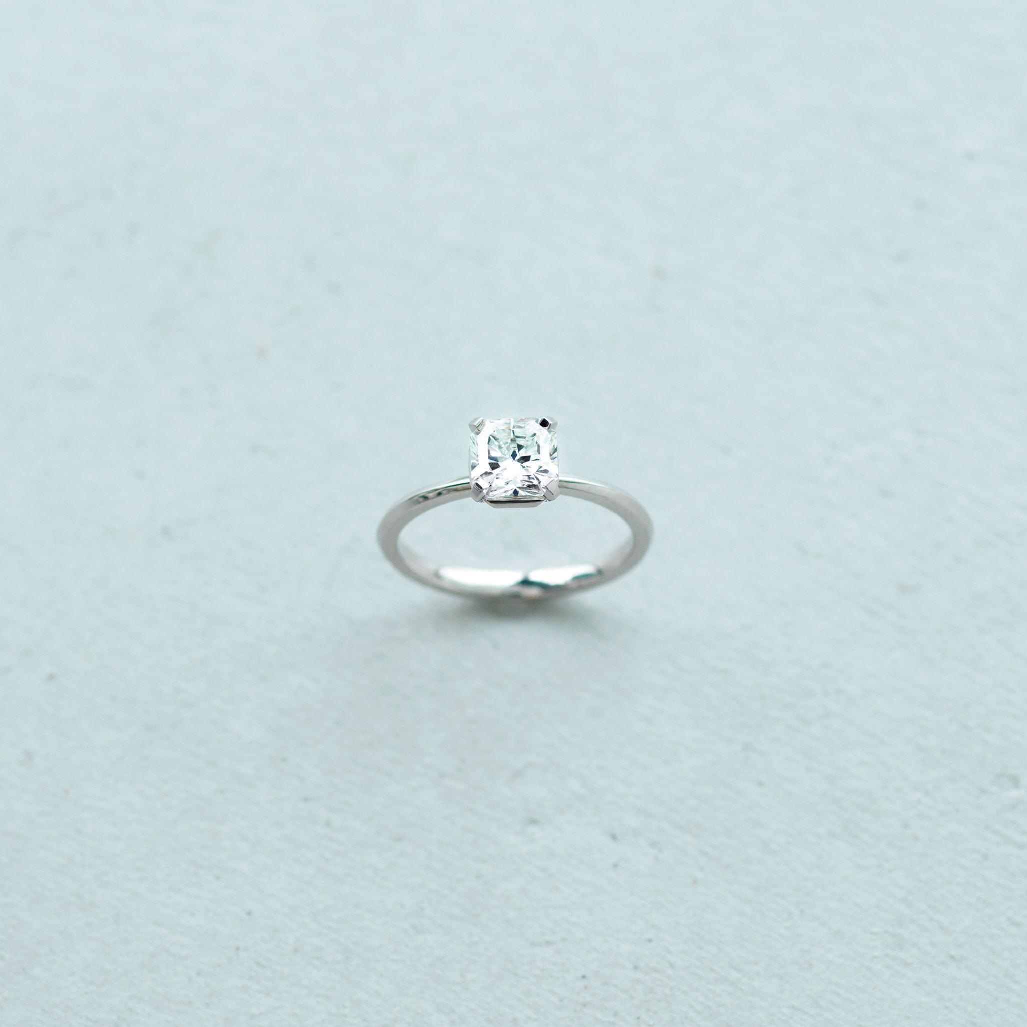 ネクストベーシックジュエリー_ファンシーカットのダイヤモンド