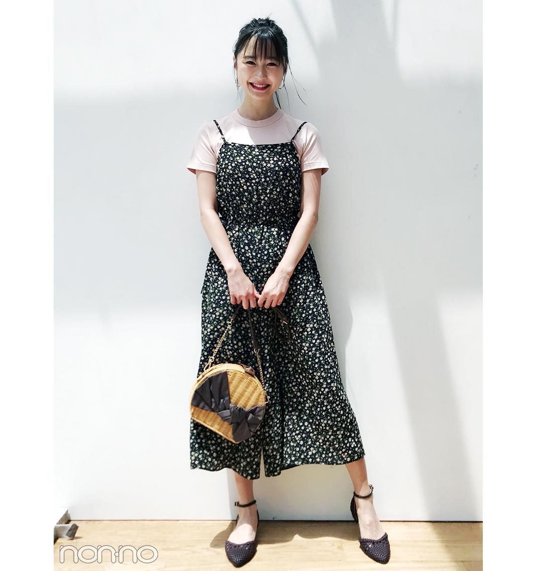 鈴木友菜はピンクTシャツ×キャミオールインワンで新鮮にチェンジ!【毎日コーデ】