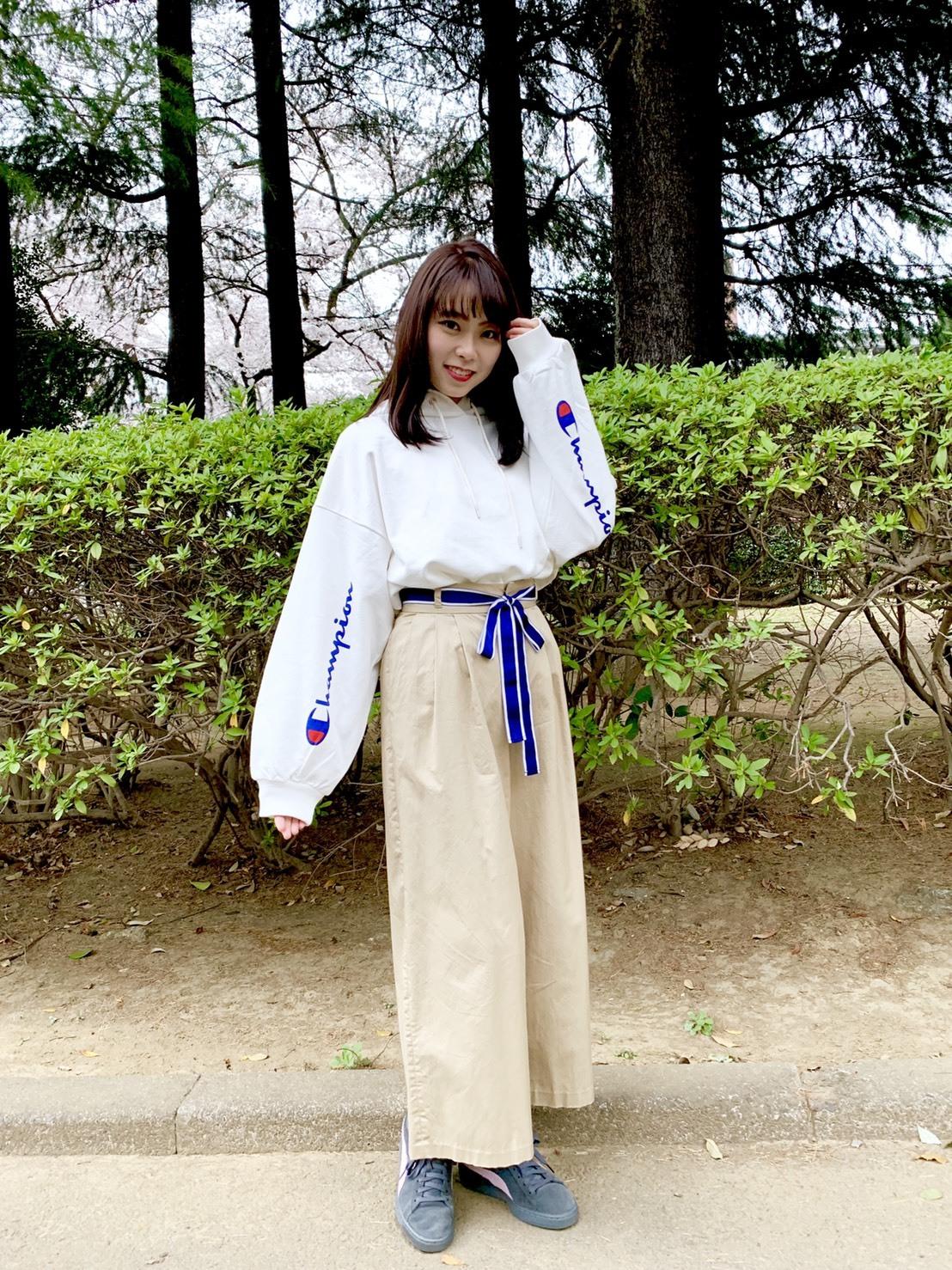 江野沢愛美さんがオススメするChampionの白パーカー買っちゃいました。_1_4