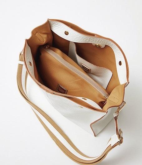 ファッション PAOLA NUTTIのバッグ