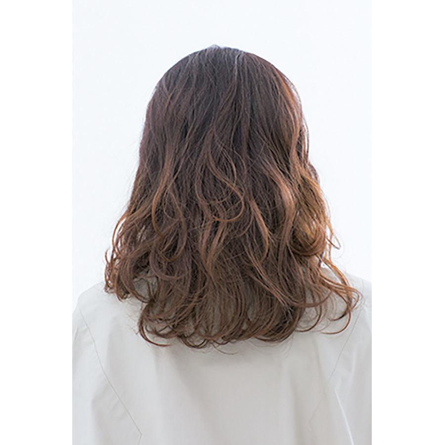 後ろから見た 人気ミディアムヘアスタイル9位の髪型
