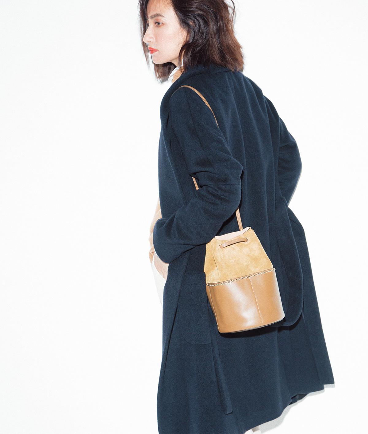 今季、スタイリストたちが「茶色のバッグ」を選ぶ3つの理由_1_2-1
