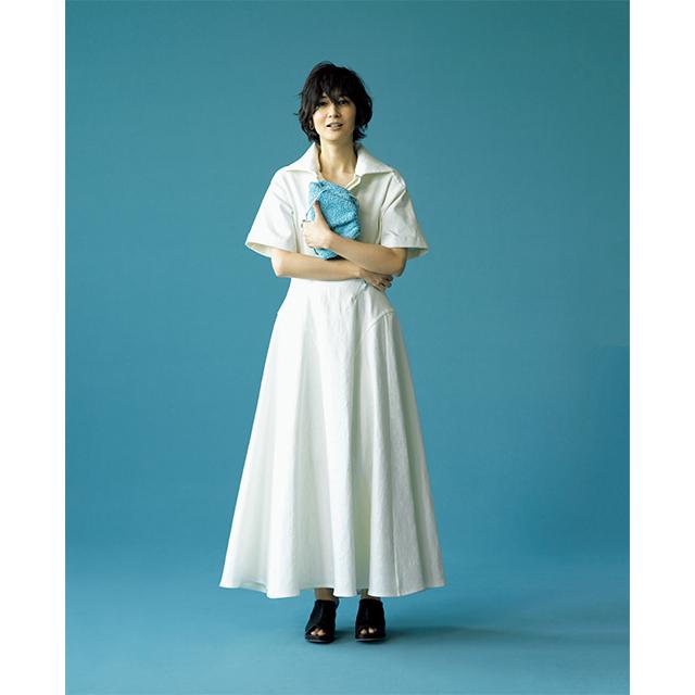富岡佳子 ホワイトとの組み合わせでブルーがよりクリアに輝く