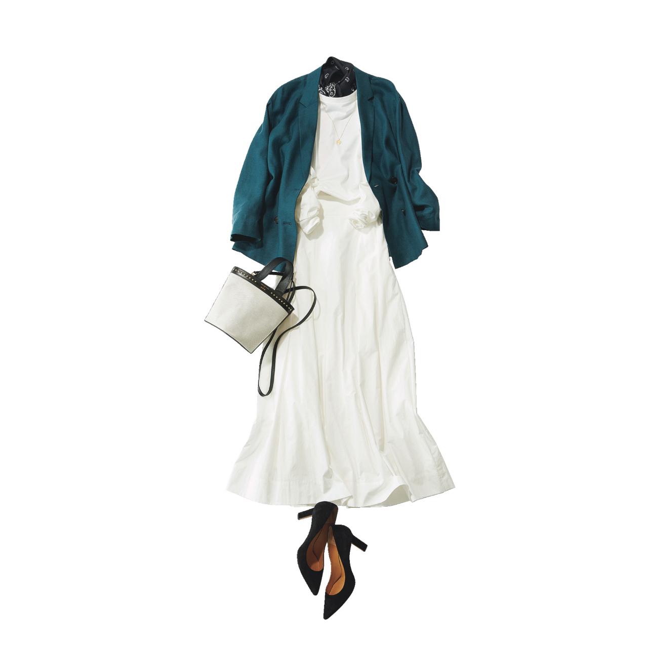 ■白スカート×グリーン」のジャケットコーデ