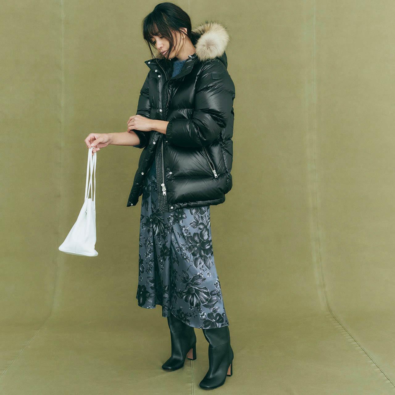 ミディ丈スカートとつなげた重めバランスが最高に今っぽい モデル/RINA