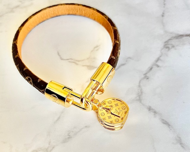 腕時計ほどカッチリしたくないけど、少しお洒落したいときに‥_1_2