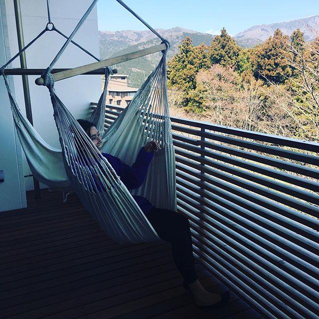 本に囲まれて泊まる、話題のホテル「箱根本箱」での撮影【エクラ6月号】_1_2