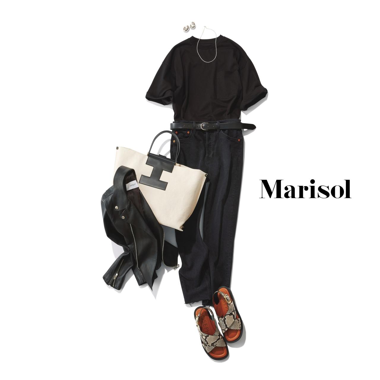 40代ファッション 黒Tシャツ×インディゴブルーデニムパンツコーデ