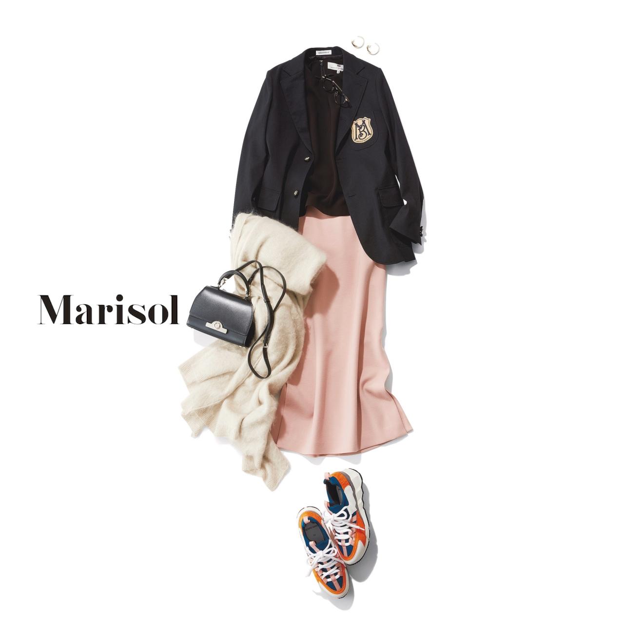 40代ファッション ジャケット×ピンクスカート×スニーカーコーデ