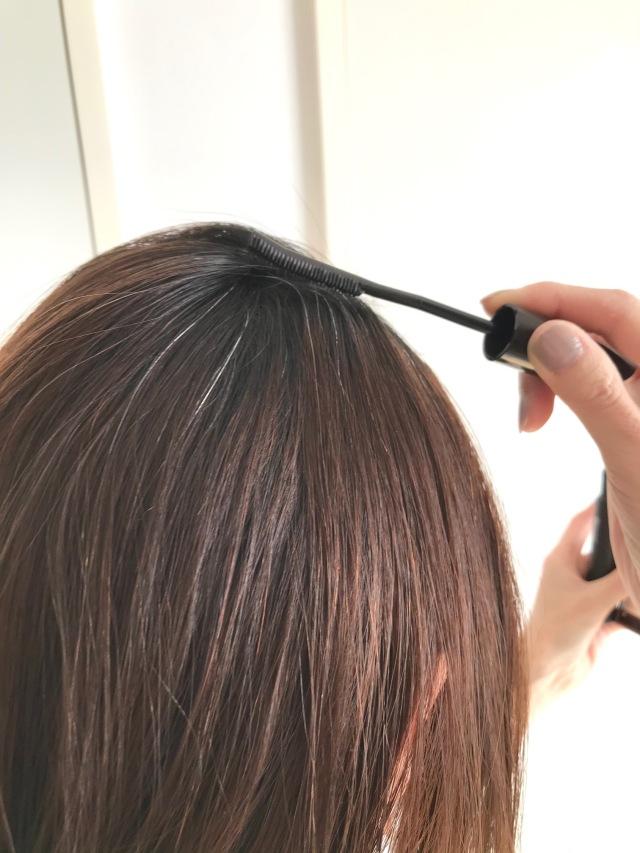 お出かけ前の白髪隠しに便利な1本。初めてのヘアマスカラ体験!_1_2-2