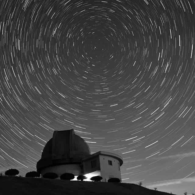 ロマンチックな星空観察を