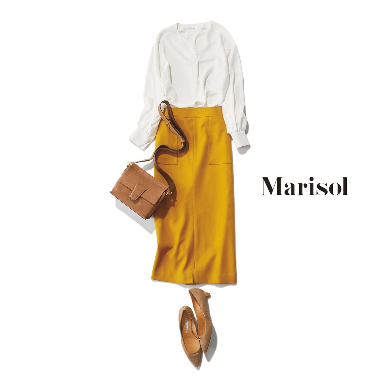 40代ファッション 白ブラウス×マスタードイエロースカートコーデ