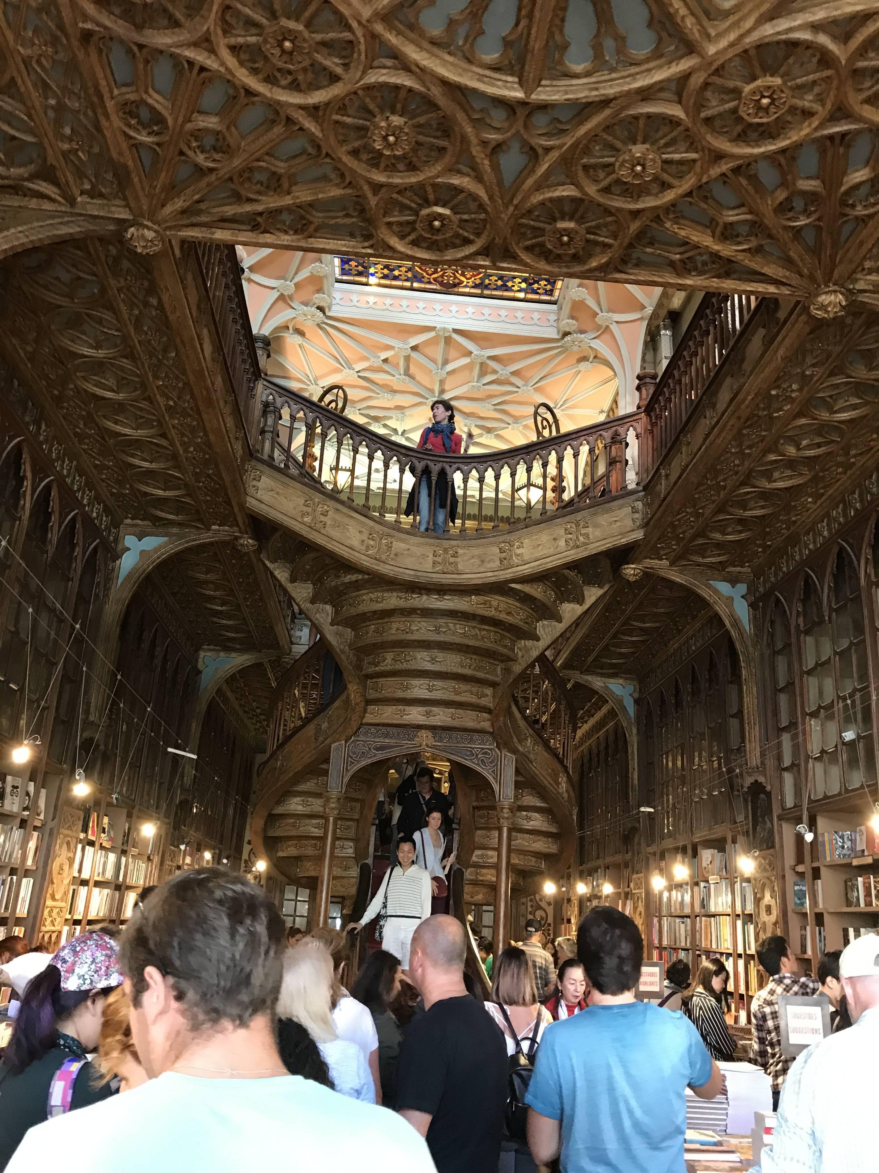 ポルトガルへ行って来ました〜世界一美しい書店編〜_1_1-1