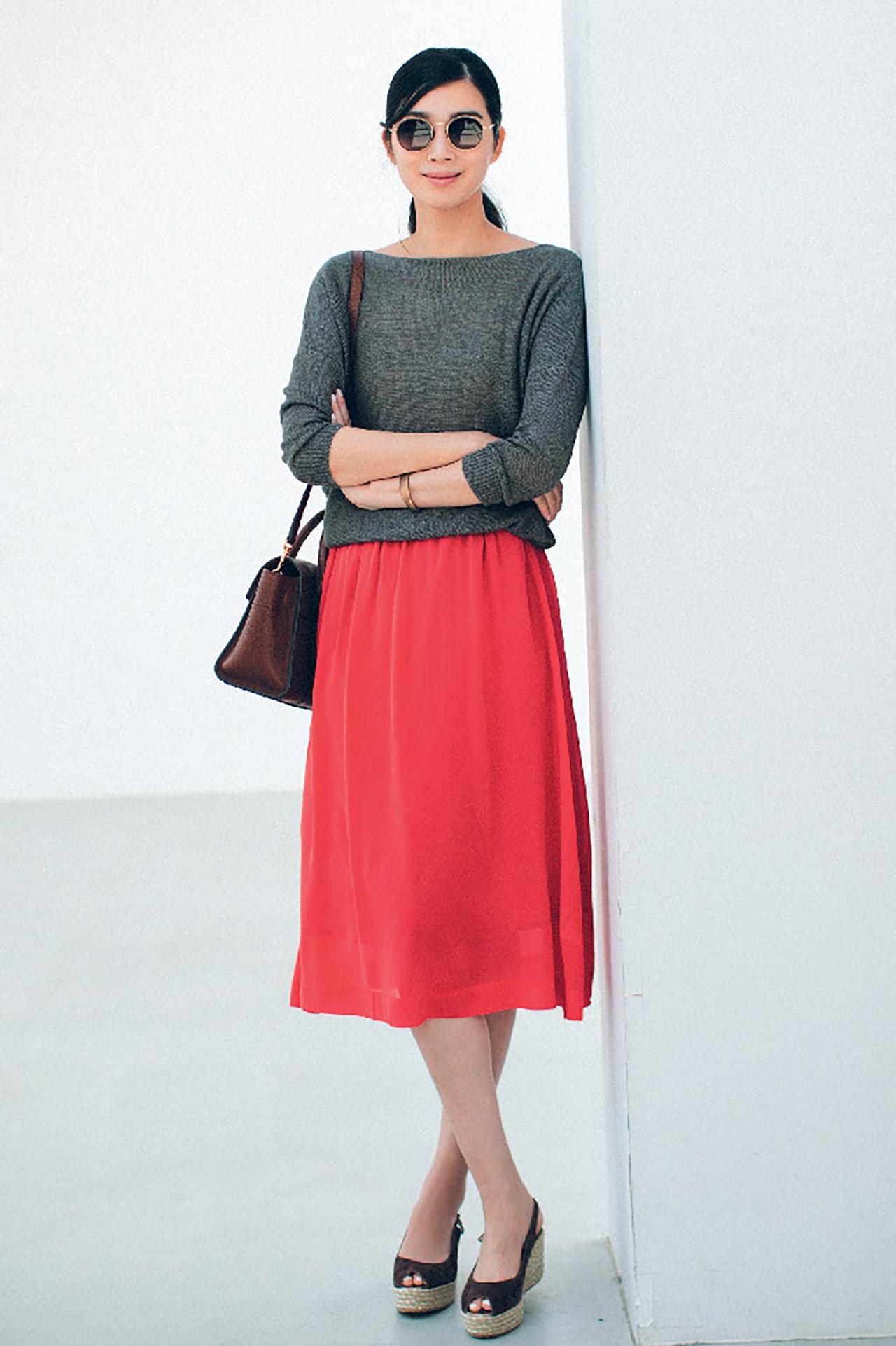 赤のもつ女らしさを、ストレートに発揮できるスカート 五選_1_1-4