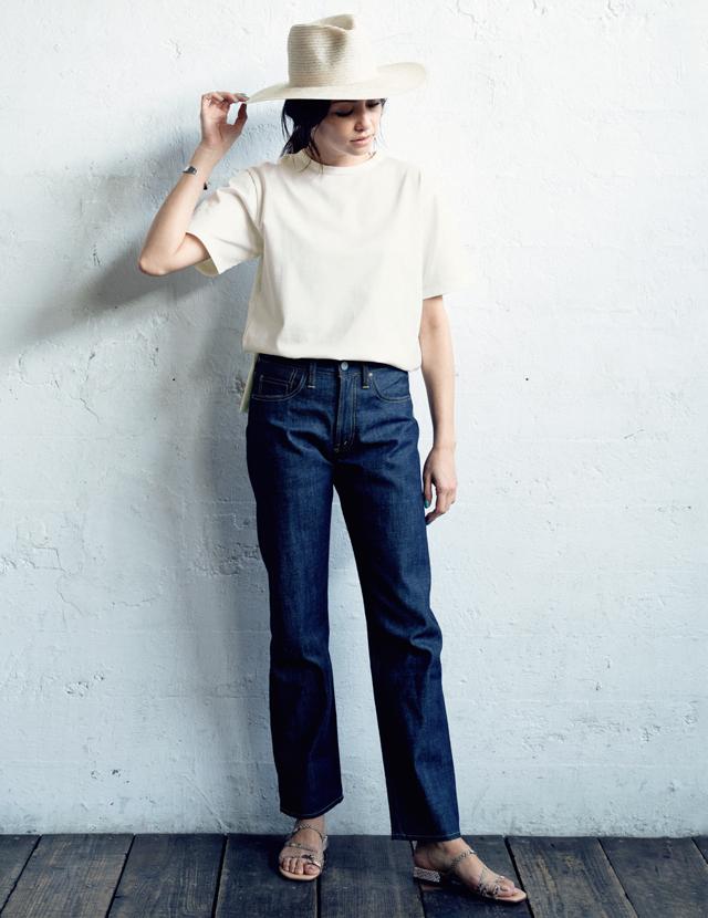 SINME×éclatのTシャツコーデのRINA