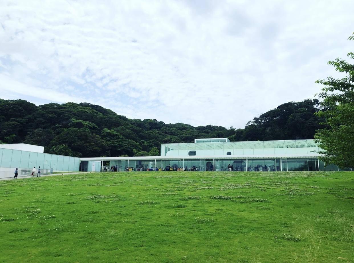 刺繍トップスで、横須賀美術館「糸の世界」へ♩_1_2