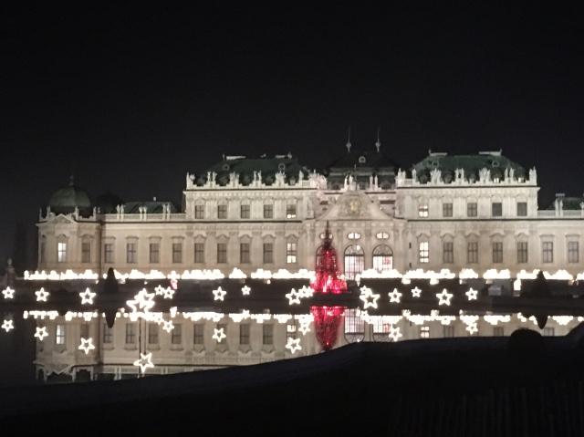 ウィーンのベルヴェデーレ宮殿のクリスマスマーケット_1_1