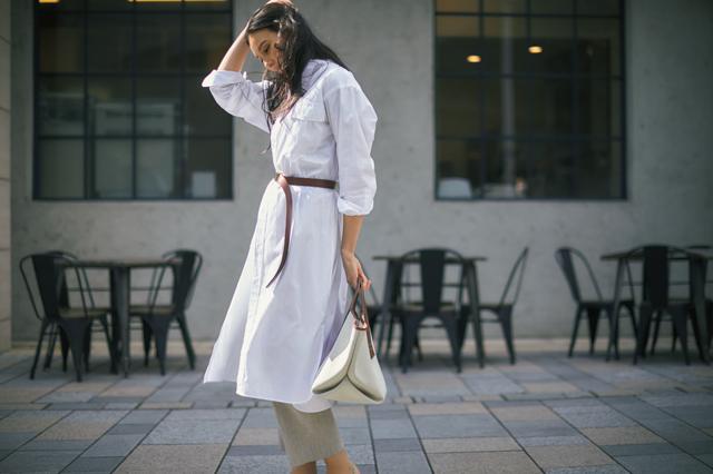 ロングベルトでほっそり見せるコーデの田沢美亜