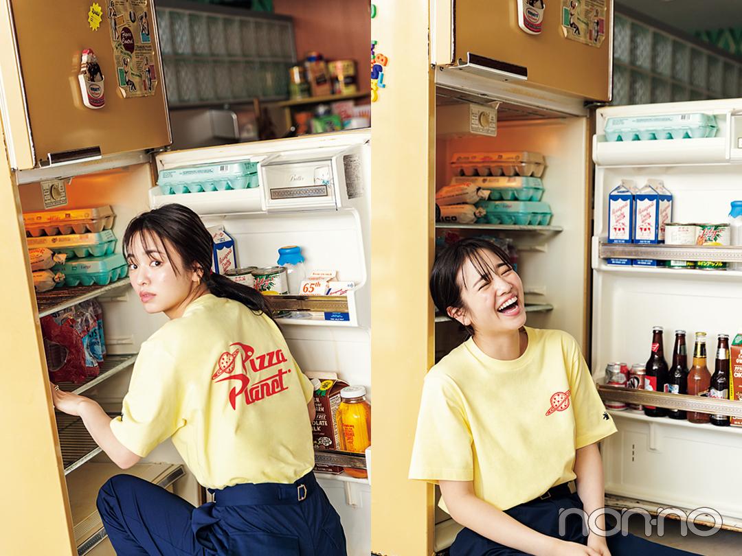 横田真悠が着るバックロゴTシャツコーデ15