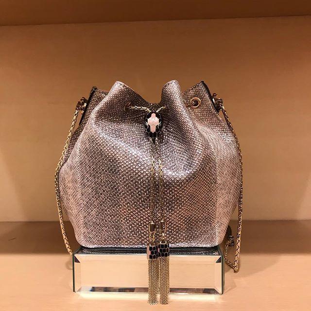 宝石のような、小さなバッグたちです。_1_1