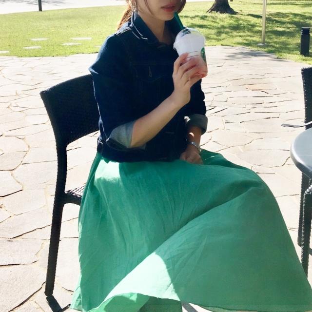 日中は日差しがあって暖かいけれど、スカートの下はヒートテックのレギンスで防寒。