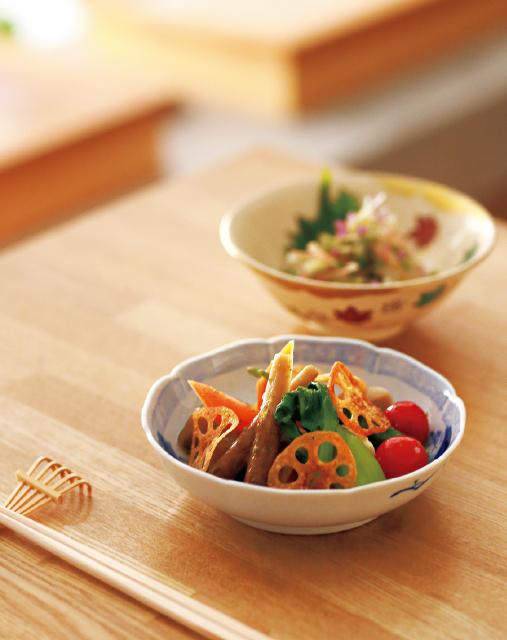 京都の五条にある和食レストラン「喜多」のおひたしサラダ