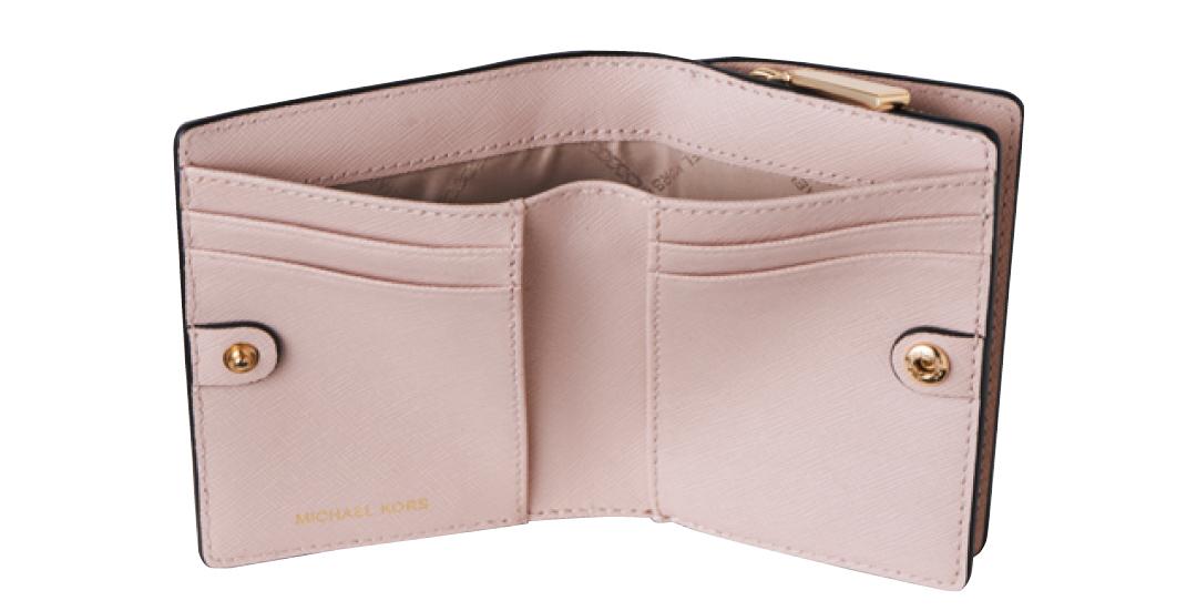 財布は「大人っぽい」ミディ型が開運キーワード!【水晶玉子さんの2020年開運アドバイスつき】_1_5