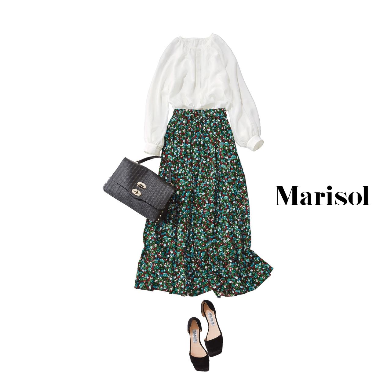 40代ファッション 白ブラウス×ロングスカートコーデ