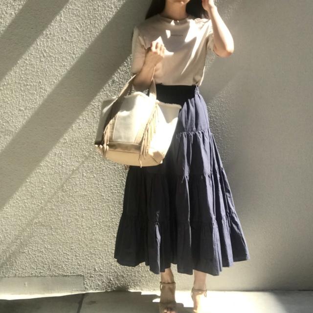 Tシャツ×ロングスカートでつくる通勤スタイル_1_3