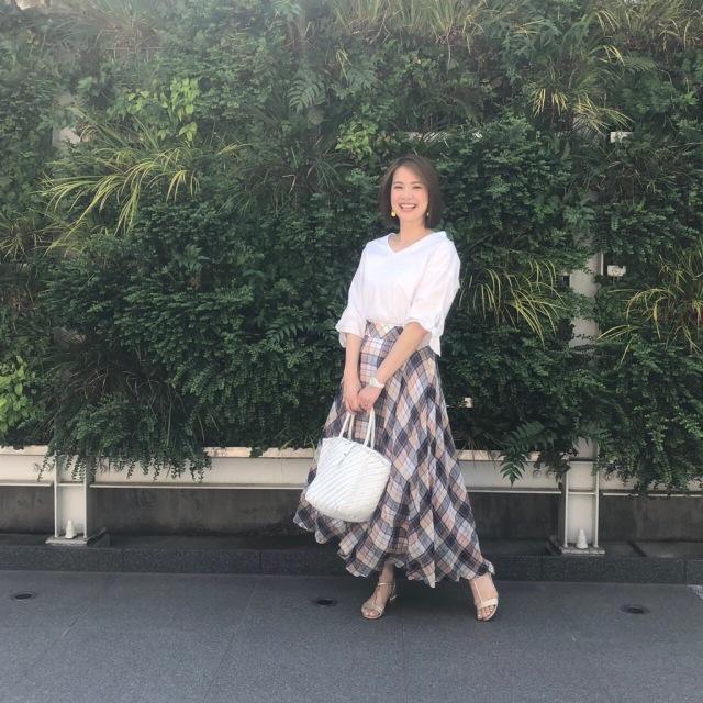 tops:gracecontinental/skirt:ebure/sandal:nicholaskirkwood#bag:DRAGON