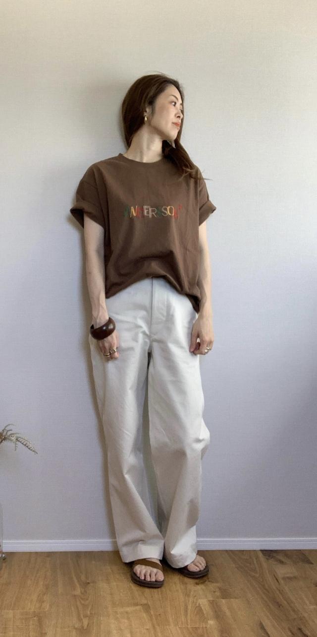 ロゴTシャツコーデ画像