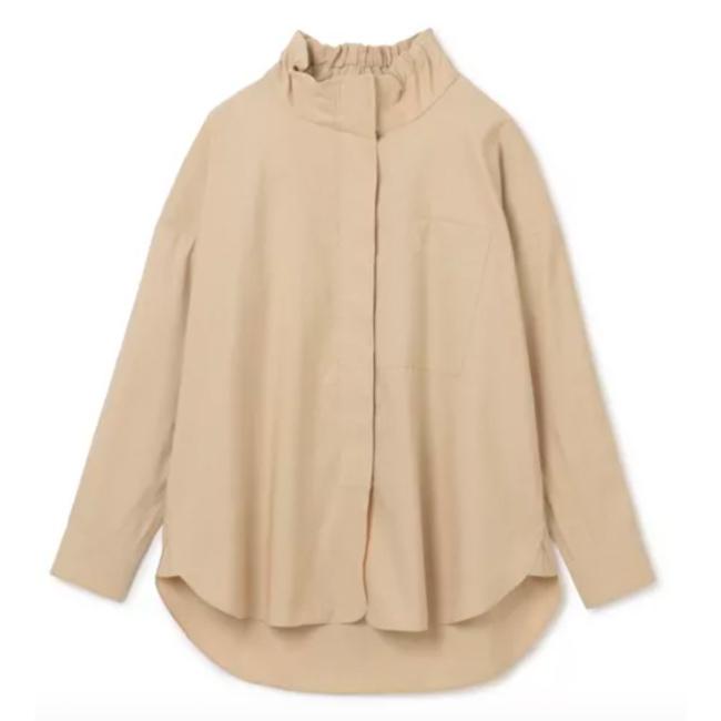 50代ファッションアイテムの必需品、シャツ&ブラウス