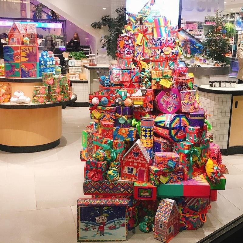 LUSH新宿店の1階はクリスマスムード