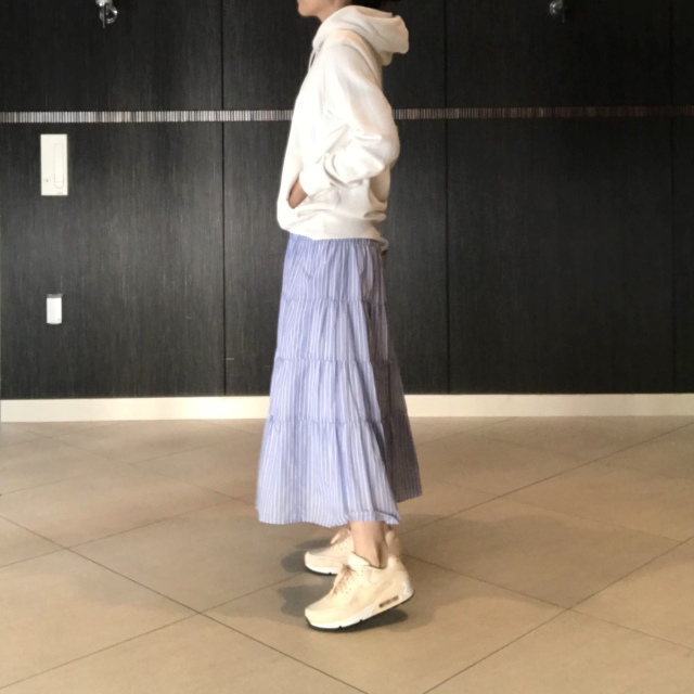 【UNIQLO】大人気メンズスウェット×きれいめスカート_1_2