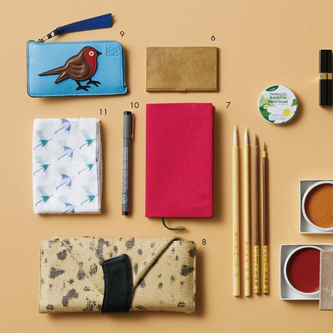 """資生堂のパッケージデザインも手掛ける日本画家・大竹彩奈さんは、和の""""粋""""を感じるアイテムを愛用!【働く女のバッグの中身】_1_6"""