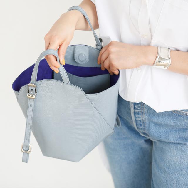 ファッションエディター・坪田あさみさんの 「トフ&ロードストーン」の最新バッグ、私流スタイリング術_1_2