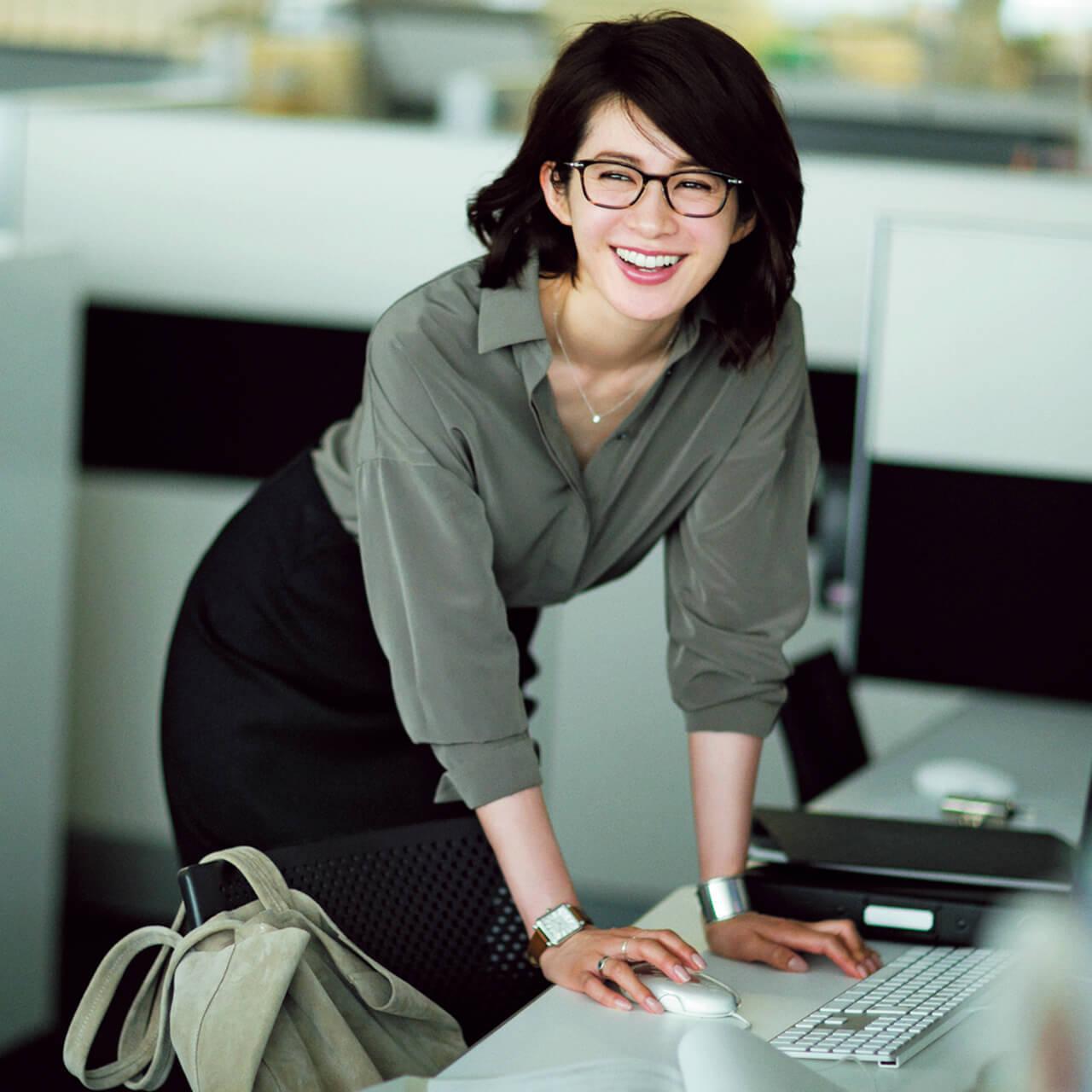高垣麗子のメガネ画像