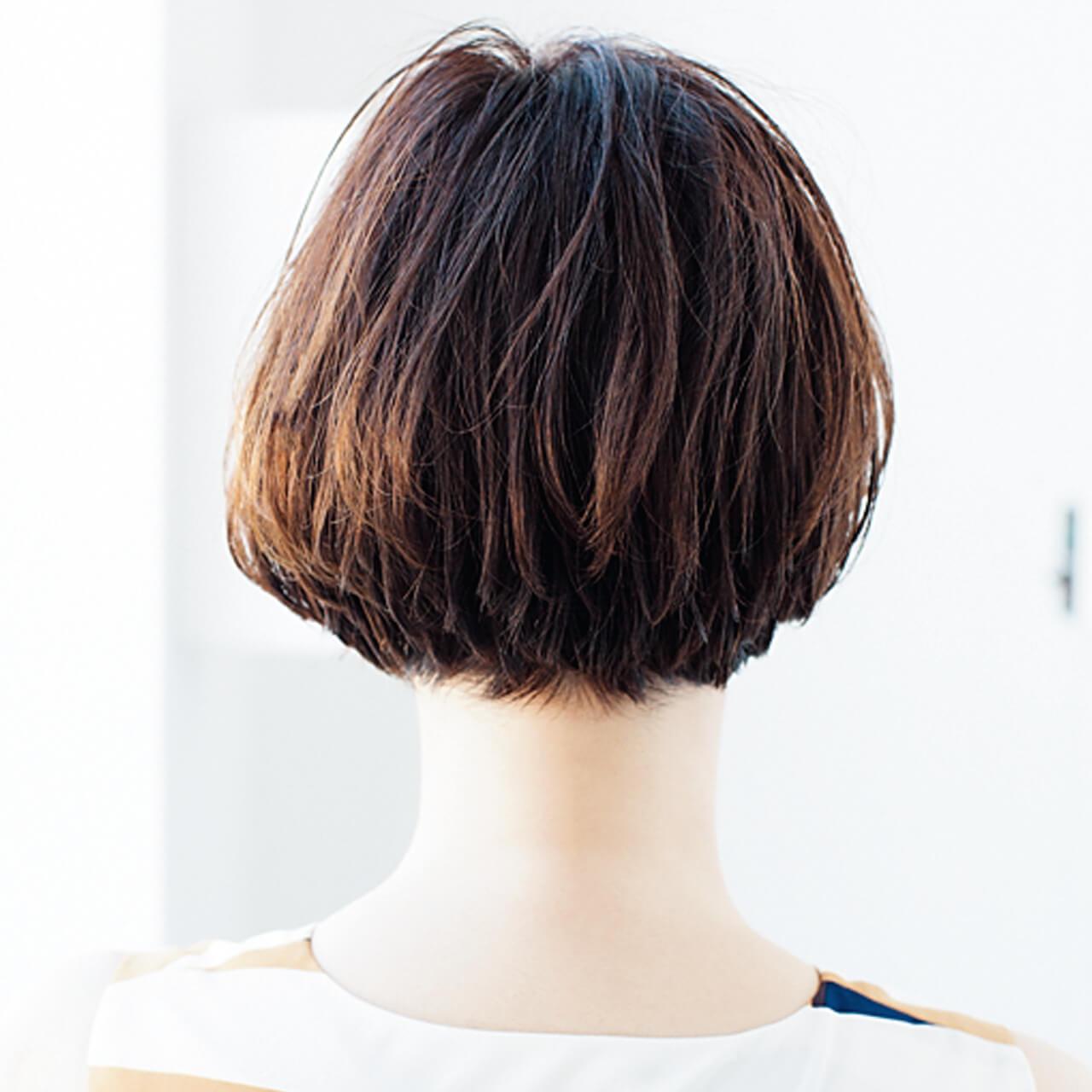 束の動きが透け感をサポート。毛量が多くても涼しげ【40代のショートヘア】_1_3