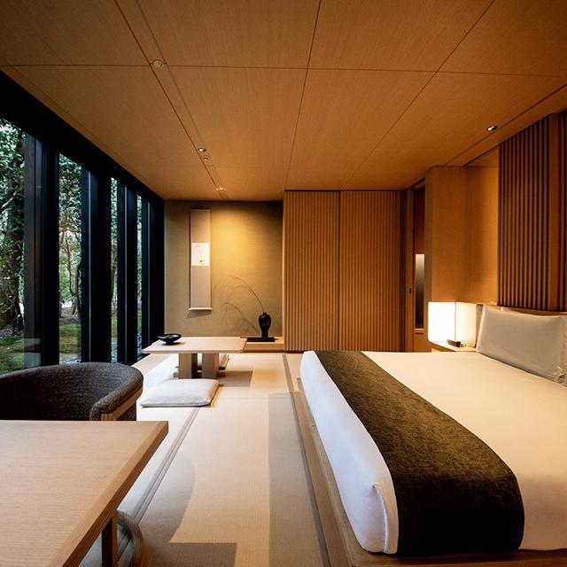 畳と床の間で構成された和モダンな客室は全26室
